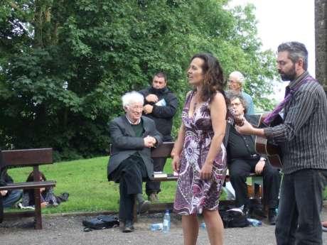 Heany, Mc Keown and Muldoon : singers at Tara
